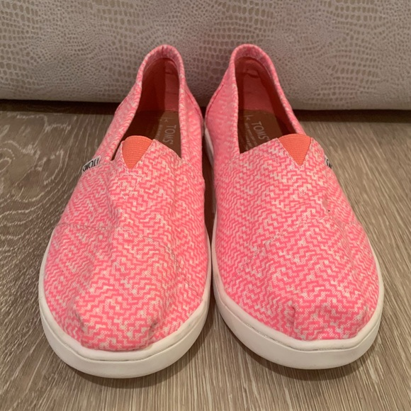 Toms Shoes   Hot Pink Canvas   Poshmark